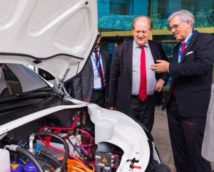 Prof Bertil Andersson, NTU President & His Excellency, Dr Michael Witter, Ambassador of the Federal Republic of Germany, viewing EVA's state-of-the-art battery system. Image: NTU Singapore