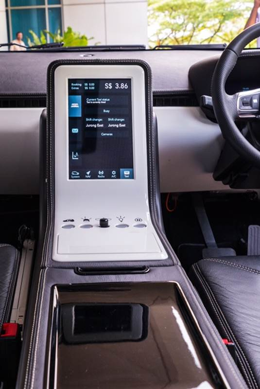 EVA has a built-in infotainment system which can display fares, navigate with maps and play music from the radio. Image: NTU Singapore